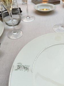 where  fashionistas and families dine in stylish Forte dei Marmi